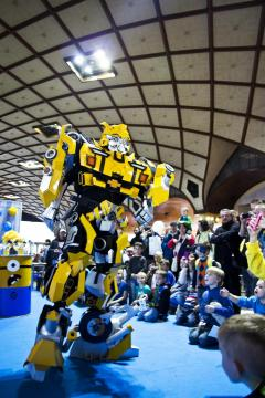 TRANSFORMERS SHOW - BUMBLEBEE a OPTIMUS PRIME